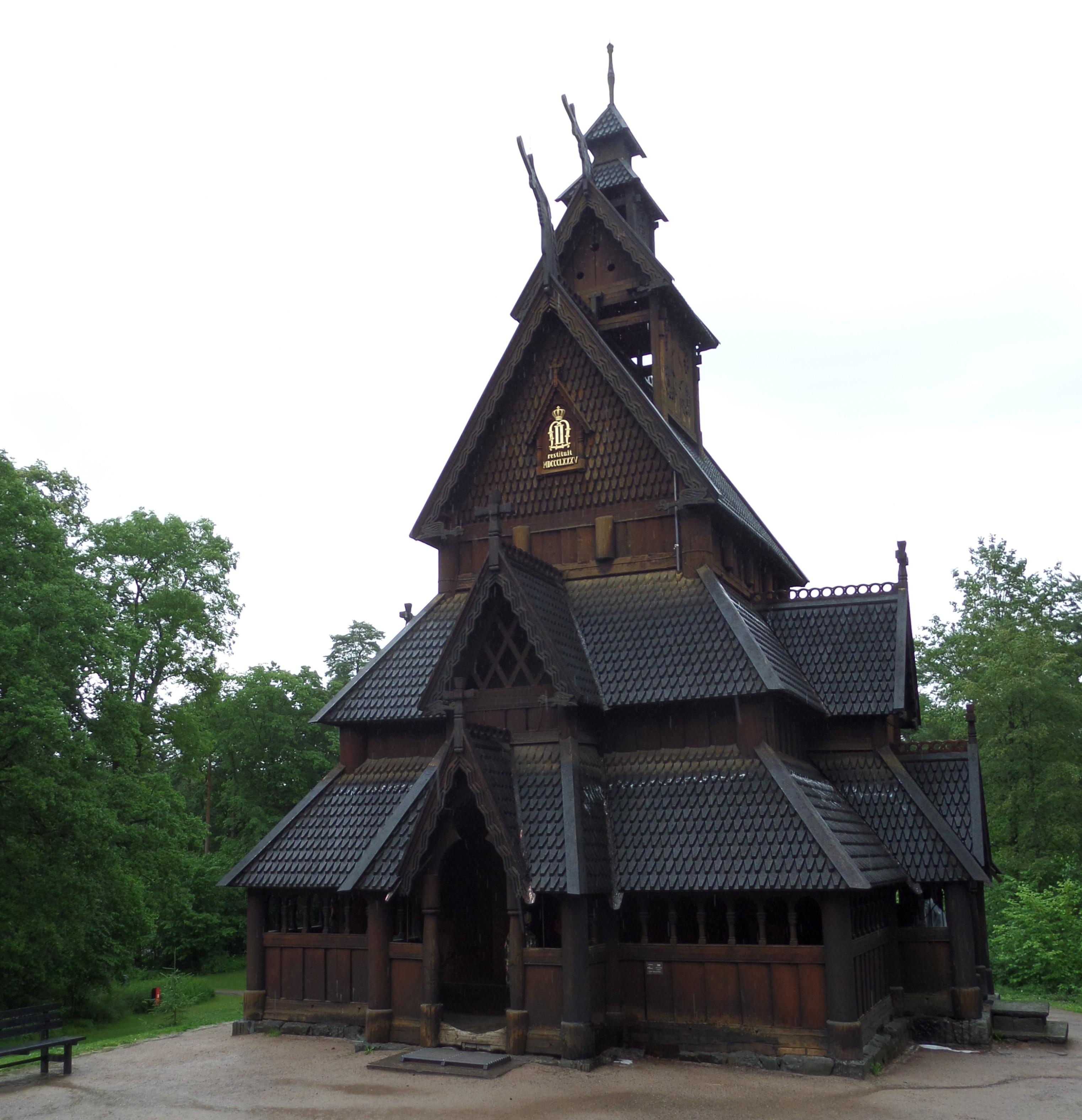 Eglise en bois debout à Oslo