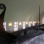 Sur leurs bateaux, les Vikings règnent en maîtres sur les mers